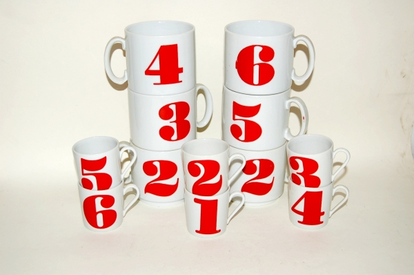 numbered mugs and coffee cups
